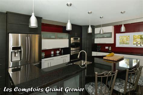cuisine noir cuisine avec marbre noir