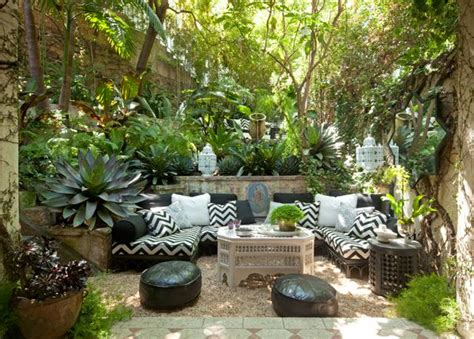 tropical outdoor living space with black and white and