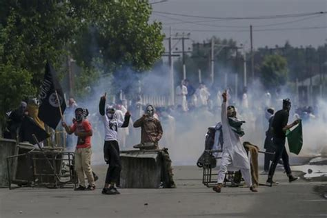 Indian Forces Kill 9 Kashmiri Fighters, Residents Protest ...
