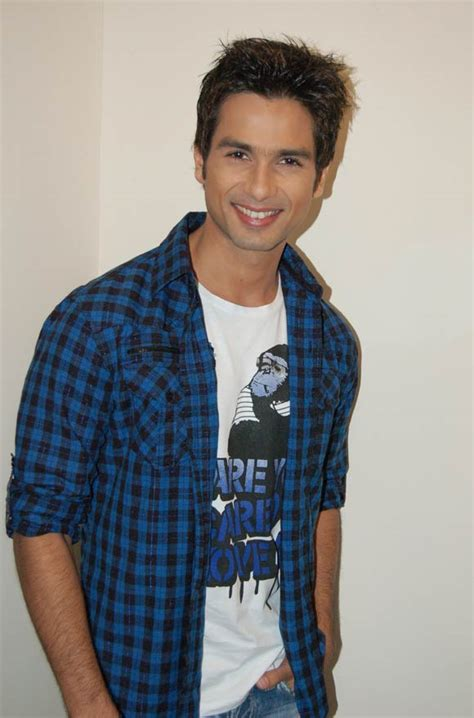 HD wallpapers long hairstyle of shahid kapoor
