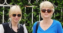 Anna Faris Looks Just Like Her Mom! See the Resemblance ...