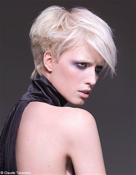coupe tres courte moderne coiffure coupe courte m 232 che femme femme cheveux courts sur coupe2cheveux
