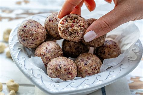 These New Cranberry Protein Balls Help Boost Energy