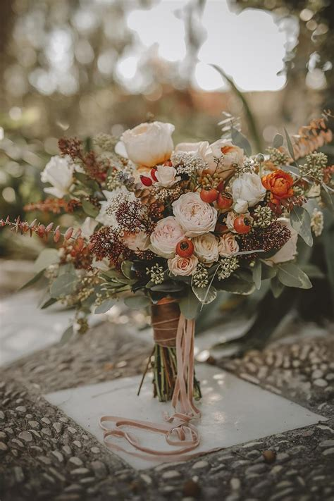 wedding trends  stunning dusty orange wedding color
