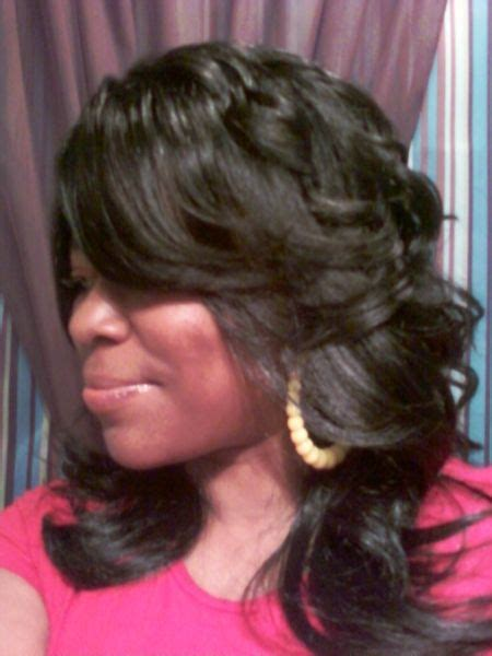long layered  feathered wig hairstyle  black women