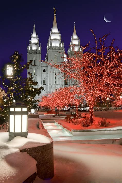 christmas lights at temple square by utah images
