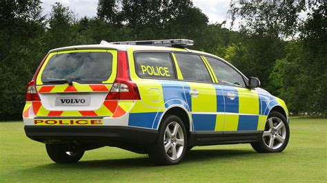 volvo  uk police car  photo  pictures  high