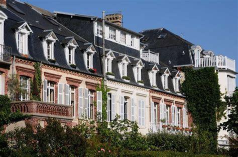 immobilier cabourg le charme discret de la epoque