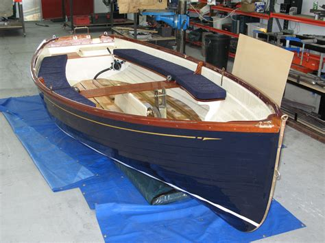 Boat Paint Lines by Neil Thompson Boats Services