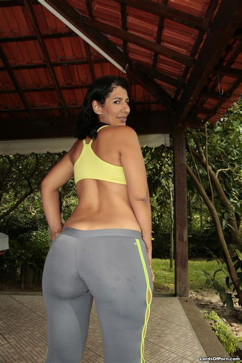 Big Brazilian MILF Booty