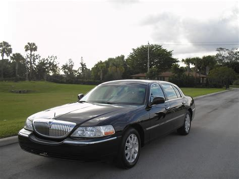 Airport Town Car denver airport town car services limo and shuttle