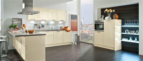 cuisine couleur magnolia meuble de cuisine en verre cuisine complte magnifique set