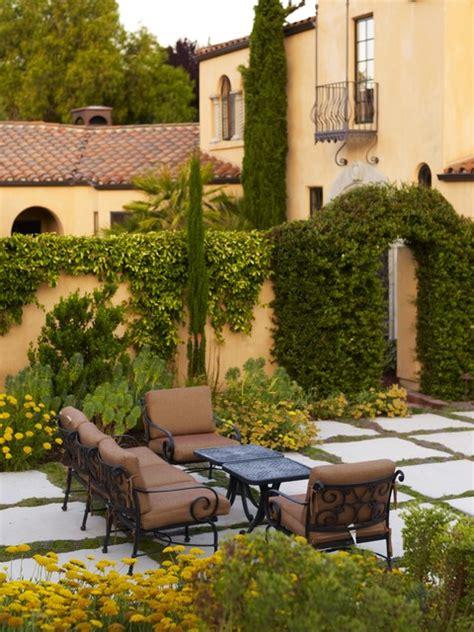 fascinating ideas  tuscan gardens   amaze