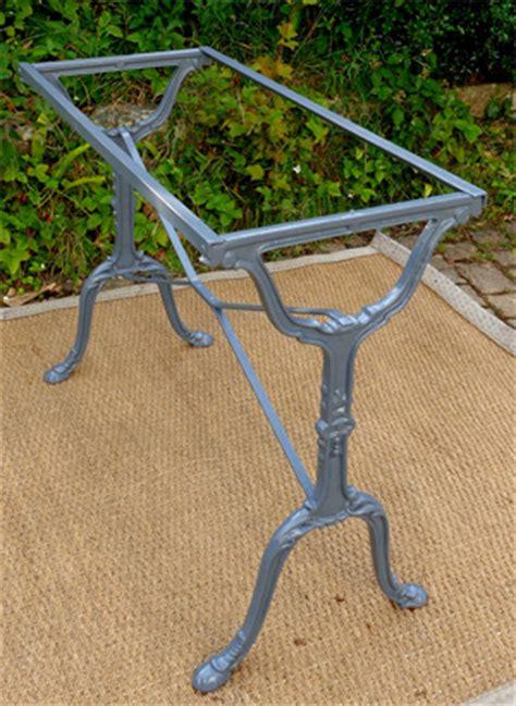 table bistrot ancienne plateau en marbre et pieds en fonte
