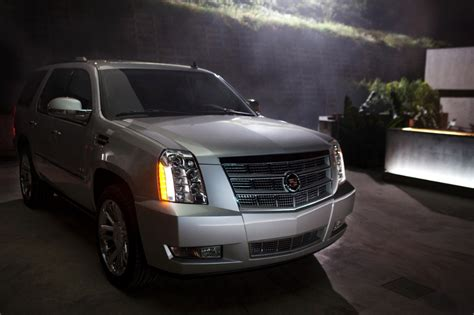 cadillac escalade review ratings specs prices