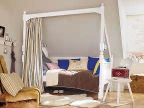 wohnidee wunderweib bed a sloped ceiling miscellaneous