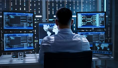 top cyber security experts