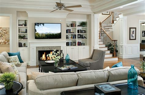 family room ideas tv above fireplace design ideas Traditional