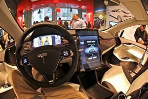 Sliding inside the Tesla Model X | Unveiling of the prototyp… | Flickr