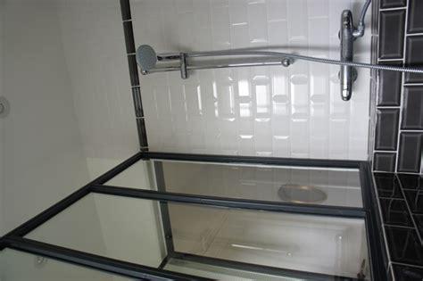 une verri 232 re atelier d artiste en acier inxoyadable pour une salle de bain ou un pare