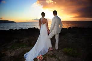 hawaiian wedding filming photography hawaiian barefoot weddings hawaiian barefoot weddings