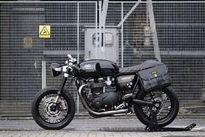 Thruxton R 1200 : the gq x barbour x untitled motorcycles triumph thruxton 1200 r ~ Medecine-chirurgie-esthetiques.com Avis de Voitures