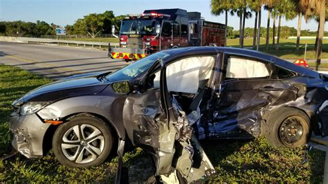 Car Crash by 3 Injured In Car Crash In Coconut Creek