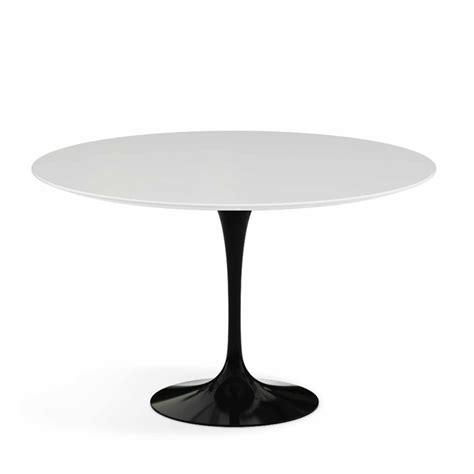 Le Runder Tisch by Knoll International Tulip Saarinen Tisch Bruno Wickart Ch