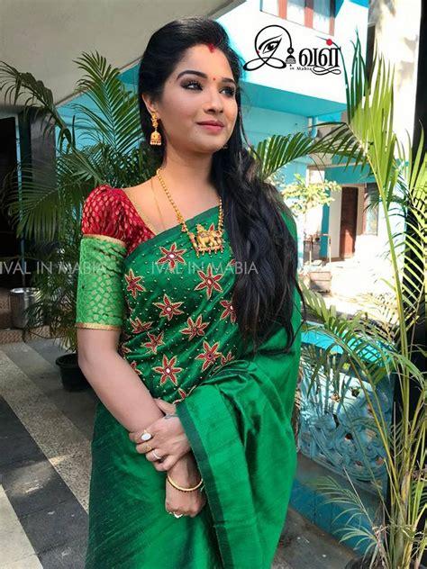 Hairstyle On Saree