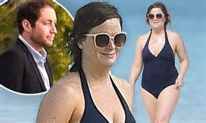 Amy Poehler and Benjamin Graf attend a wedding in Bahamas ...