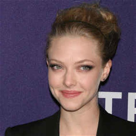 actress died in skiing accident seyfried struggled to comfort grieving co stars