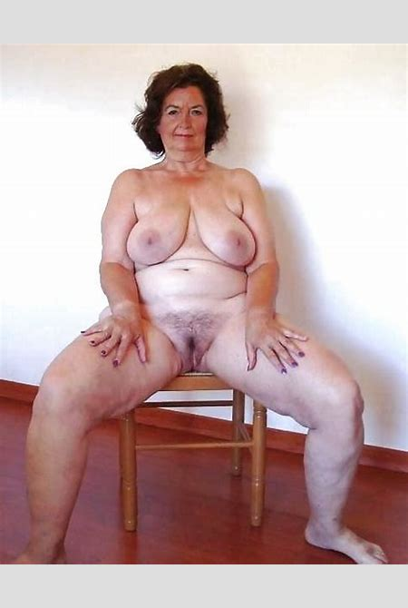 Granny Pics Slut Photo - Grannies rider lady shows big boobs