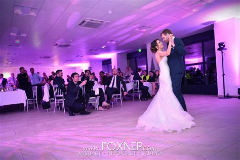 salle de mariage bourgogne mariage en avril au ch 226 teau de trouhansfoxaep photographe dijon mariage shooting mode book