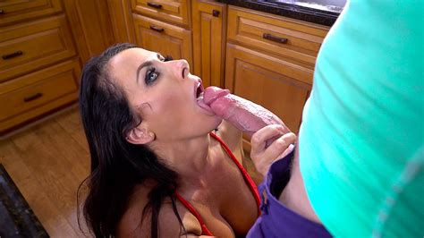 Dark Haired Stepmom Blows Stepsons Thick Cock In A Xxx