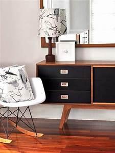 Sideboard Schwarz Holz : sideboard dekorieren sideboard schwarz aus holz freshouse ~ Whattoseeinmadrid.com Haus und Dekorationen