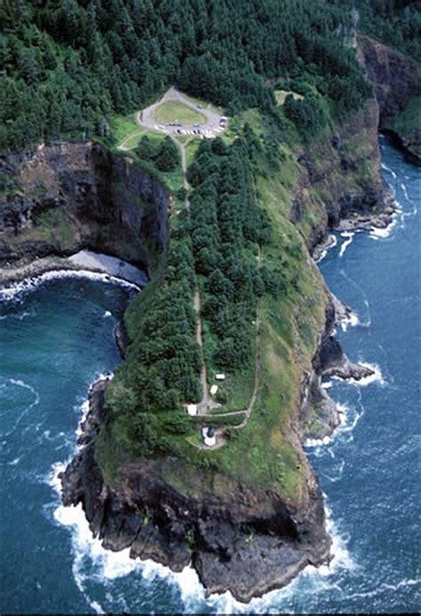 cape meares lighthouse oregon  lighthousefriendscom