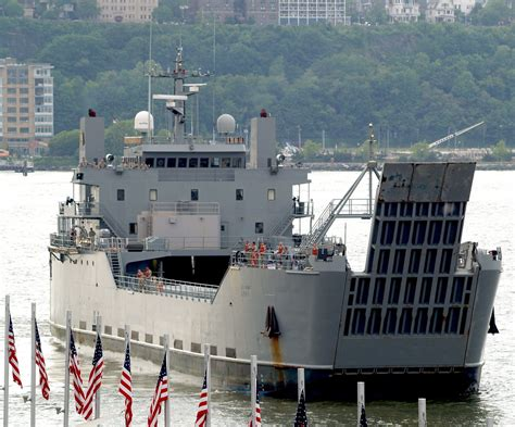 US Army Logistics Support Vessel [LSV] - LSV-1 Gen. Frank ...