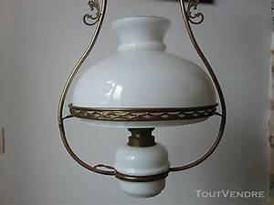 Lampe à Pétrole Ancienne Le Bon Coin : suspension lustre opaline clasf ~ Melissatoandfro.com Idées de Décoration