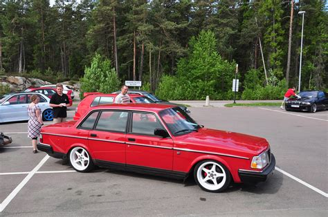 theme tuesdays volvo  stance
