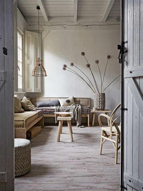 Ecco 5 idee perfette per dare una nuova vita alla propria casa. Arredare con i fiori secchi - Living Corriere   Idee per decorare la casa, Arredamento d'interni ...