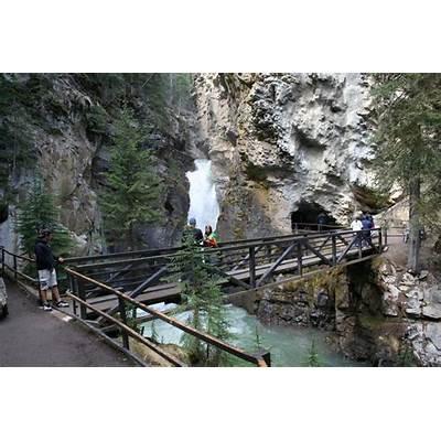Panoramio - Photo of Johnston Canyon Banff Nat'l Park
