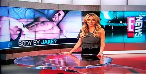 talkmedia: E! Entertainment's E! News now One Hour with a ...
