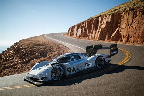 volkswagen electric car smashes pikes peak hill climb