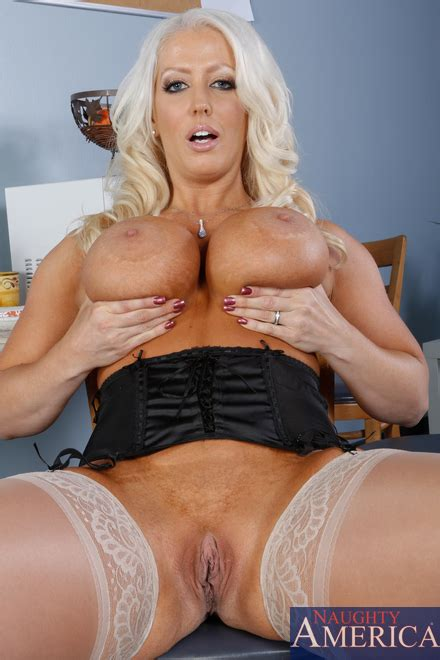 Lessons On Sexuality With Alura Jenson Milf Fox
