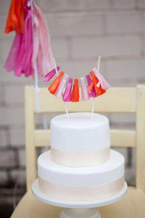 simple stunning wedding cakes