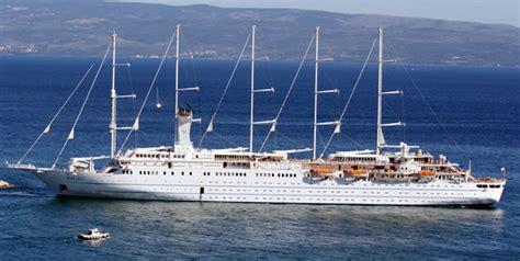 Cruise ship windsurf