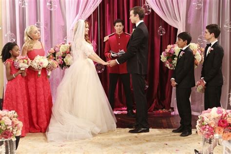 the wedding channel ok exclusive check out these gorgeous family pics from the disney channel wedding