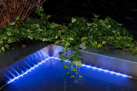 eclairage piscine led solaire