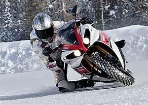 Pneu Neige Moto : 10 conseils de pilotage moto en hiver amateur2moto ~ Melissatoandfro.com Idées de Décoration
