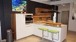 Kücheninsel Ohne Geräte : hausmarke musterk che k che k chenzeile mit angesetzter insel k cheninsel glasfront mit holz ~ Orissabook.com Haus und Dekorationen